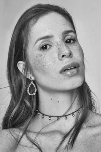 LARISSA SIQUEIRA