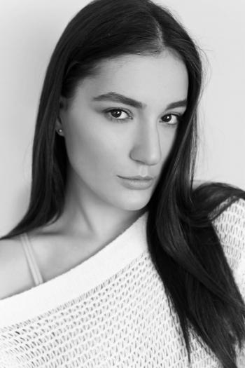 LARISSA BERTUOL